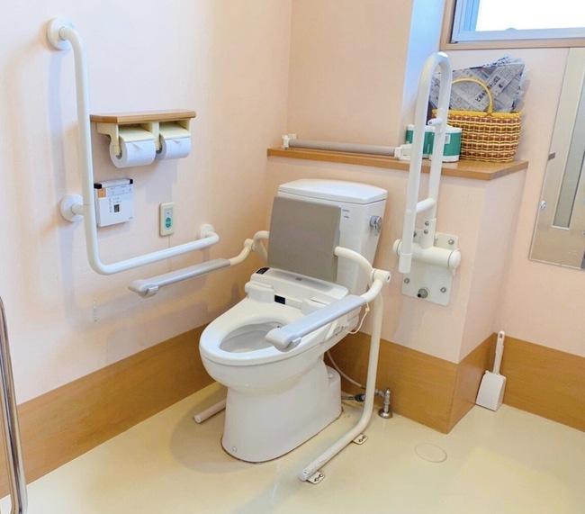 笑顔いっぱい2Fトイレ